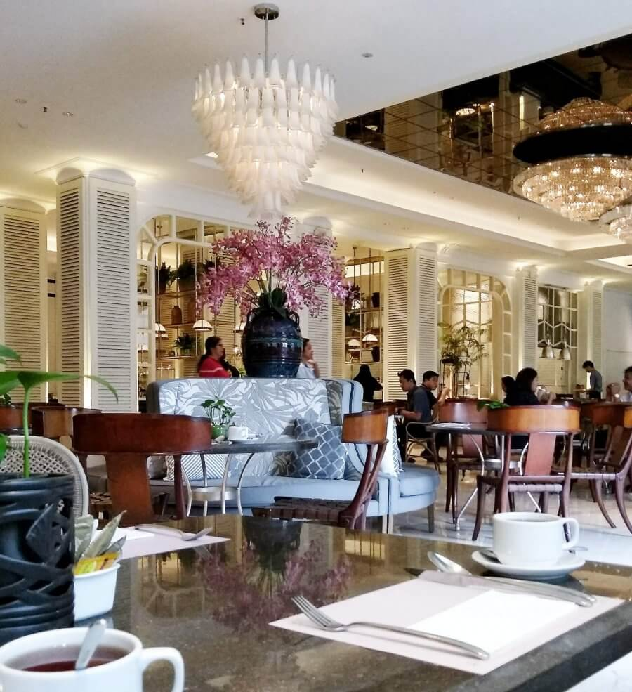 Review all you can eat java paragon hotel